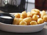 Рецепта Паниран катък от цедено кисело мляко и сирене